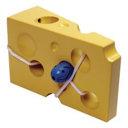 Drevená hračka Prevliekanie šnúrky - syr s myšou