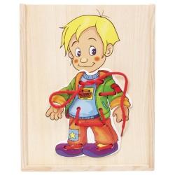 Legler Drevené puzzle v krabičke - obliekanie - Chlapček