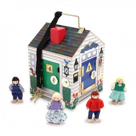Melissa & Doug Drevený domček s kľúčikmi a zvončekom