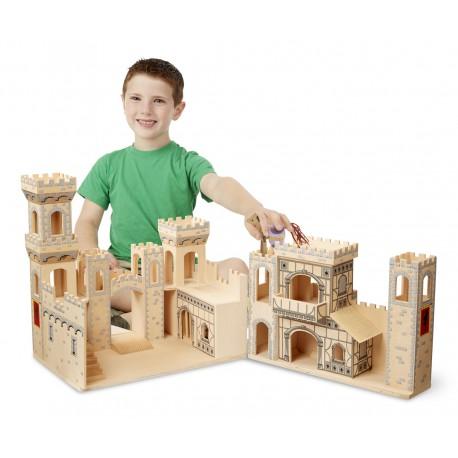 Drevený otvárateľný stredoveký hrad