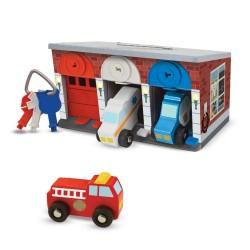 Melissa & Doug Drevená garáž s kľúčikmi a autíčkami