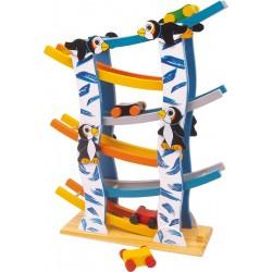 Drevená autodráha s klesajúcim sklonom Pingvin