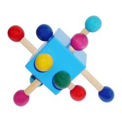 Drevená hrkálka - kocka modrá