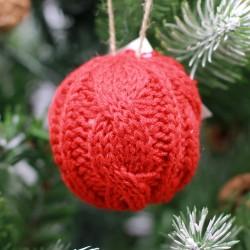 IMP-EX Vianočná ozdoba na zavesenie - guľa so štrikovaným poťahom - červená