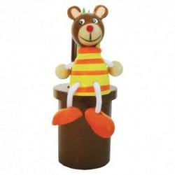 Drevený stojan na ceruzky s farbičkami - macko hnedý